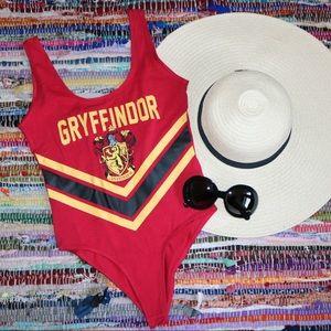 GRYFFINDOR NWT logo bodysuit Harry Potter